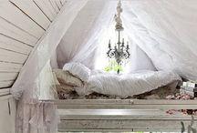 Cottage Charm / by Maria/Leni Tennyson