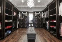 Luxury Master Bedroom Closet / Create a luxury closet sanctuary that will make all your dreams come true.