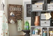 DIY Home Decor / Rustic, farmhouse and vintage DIY ideas for the home. Featuring projects for woodwork, budget, painting, makeover, mason jars, spray paint, sewing, knockoffs, furniture, storage, chalk paint