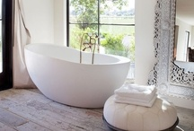 Beautiful Bathrooms / Bathrooms to wake up to and unwind in.