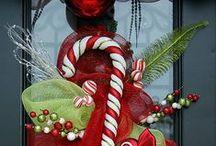 Oh Jingles! / Crafting head quarters for the Christmas season.