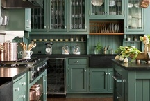 Kitchens / by Susan Bortoletto