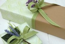 Gifted wrapping / presentinslagning, presentdekoration