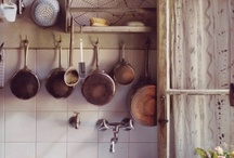kitchens / by Constanza Lara Autonell