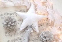 white in my christmas / by Gloria Cristina de Albuquerque