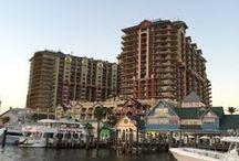 Destin Florida / Homes and condominiums on the Emerald Coast