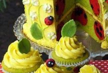 cakes & frostings / by Dianne Ditmore
