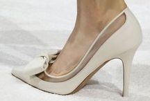 SHOES / If you view shoes as art, then you you will appreciate our collection of images. At Once Wed we love understated elegance, shoes that make a statement without shouting!