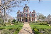 Architecture: Victorian-style Houses / by Arielle Jean