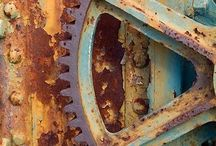 Rusty Stuff / Beauty all the way around. Gotta have me lots of rust in my life.