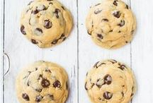 """♡ THE PERFECT COOKIE ♡ / You know how everyone calls their own chocolate chip cookies. """"the Best"""", """"the Perfect"""", etc? I'm about to find out the REAL best version of the chocolate chip here."""