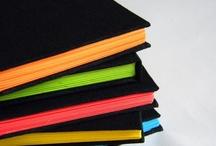 Book handmade / Recursos para decorar cuadernos, tutoriales de encuadernación y creación de álbumes y minis. / by Ana Leal