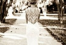 Wedding Gowns and Bridesmaid Style / Wedding Dresses, Wedding, Wedding Style, Wedding Details, Style, Details, White, Lace, Wedding Lace, Wedding white, Wedding Dress, The Dress, Dress styles, Wedding Dress Details, Bridesmaids, Bridesmaids Dress, Bridesmaids Style