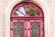 Amazing Doors / by Winnie@Something Sweet