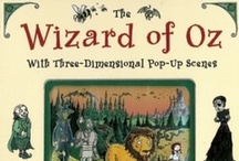 Wizard of Oz / This abbreviated adaptation brings the classic story to life with three-dimensional pop-up scenes and intricate pen-and-ink illustrations. 