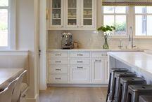 Kitchens / by Haley Clarke