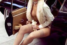 Hot Car. / Mujeres sexy con auto.