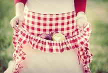 cover thee up - aprons / by Tina Bucci