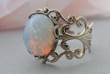 Koruja / Jewelry / Beautiful & personal second hand - and vintage jewelry.