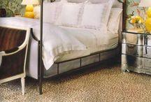 Bedrooms / by Leslie Banker
