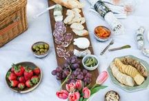 Summer Picnic Ideas / summer picnic ideas, backyard parties, summer foods, picnic hacks, tips and tricks for picnics, how to throw a summer picnic party, how to host a picnic, picnic food ideas, salads, cheese plates and boards, summer rolls, sandwiches, fruits, recipes to take to your next picnic, how to have a good picnic