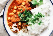 Meatless Mondays / meatless mondays, vegetarian meals, vegetarian dishes, meatless meals, meatless monday meals, vegetarian lunch ideas, easy vegetarian dinner recipes, healthy vegetarian recipes, healthy meal ideas, plant based diet, no meat mondays, meal planning ideas, quick and easy recipes for families