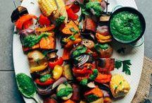 Skewer Sundays / skewer sundays, skewer recipes, skewer appetizers, great ideas for a dinner party, bbq party ideas, tasty appetizers, great party foods, kabob and skewer recipes, meat and vegetable skewers, potluck party ideas