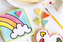 Creative Cookies / Awesome creative cookies + decorating inspiration, ideas, tips, and more.
