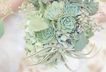 Green Wedding Inspiration / Digibuddha  |  Invitation + Paper Co.  |  digibuddha.com