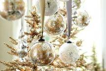 Holiday | Christmas / Digibuddha  |  Invitation + Paper Co.  |  digibuddha.com