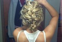 Hair Styles / by Monica Rodriguez