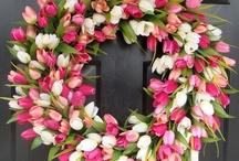 Wreaths / by Janet Wolfson