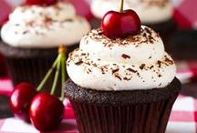 Food - Cupcakes / by Andria Buhler