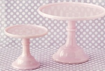 Cake stands. / by Carmen Quiroga