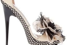 Unique, Crazy Shoes / All types of fancy, beautiful, unusual, stunning or crazy footwear and shoes. Lovely and interesting shoes and footwear.   Some will cause you to pause in awe, others will evoke feelings of envy and lastly, some may go on your wish list!