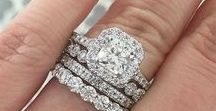 Wedding Jewelry in Albuquerque / Find the perfect rings or any accessories you need from local Albuquerque stores.