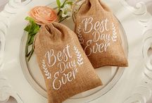 Wedding Favors Guests Will Love / Find your perfect favor for bridal showers, bachelorette parties and weddings