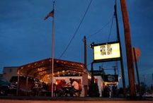 BBQ Joints to Visit / by Amy Mills