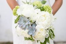 Wedding Bouquets / Beautiful bridal bouquets and flower arrangement ideas.