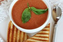Foodie: Soup  / Delicious looking and inspiring food / by Jasmine Treen