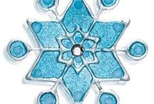 Enchanted Frozen Party Ideas / Princess party ideas with an enchanted Frozen theme. Sparkling snowflakes, loom kits and 3D wonder paint snowflakes will help you and your guests create a Frozen wonderland.
