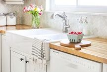 Kitchen Inspiration / Inspiration for small kitchens, decorating and organizing small kitchens, vintage kitchen inspiration, updating and renovating small kitchens.