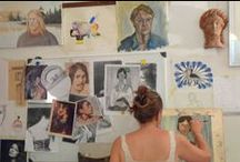 Art courses in Florence / Since 1995 Accademia del Giglio has been teaching to international students a varied range of art techniques, such as drawing (with pencil, charcoal, pastel, crayon, pen-and-ink, sanguine), painting (acrylics, oil, egg tempera), water colour and fresco.