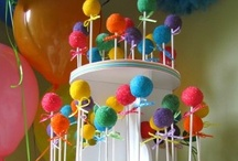 Cake Pop Stands / We manufacture a variety of cake pop stands, available in black or white, and in 7 different sizes.