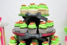 Cupcake Stand ideas / Different occasion ideas for cupcake stands, cake pop stands, and push pop stands. Love seeing everyone's creativity!
