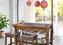 Kitchen Inspiration / Reclaim your kitchen with bits of inspiration and tips on how to get there.