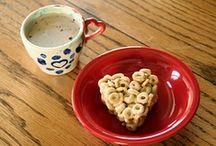 {eats} breakfast & lunch / by Stephanie Rochford