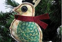 Homemade Holiday Ornaments / Ideas for homemade holiday ornaments, felt, crafts