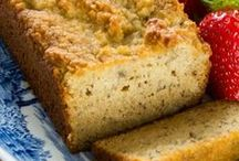 Paleo Bread Recipes / You can enjoy these grain-free Paleo Bread recipes all year long. Guilt-free :)