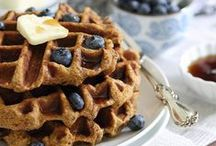 Paleo Breakfast Ideas / Wondering what to cook next for breakfast? Here are some Paleo breakfast ideas to keep things interesting :)